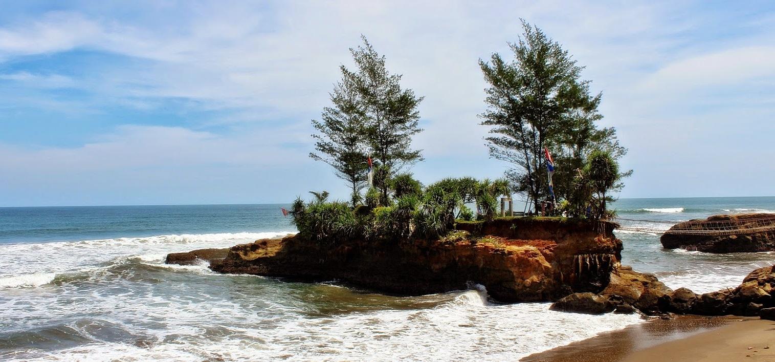 7 Rekomendasi Wisata Pantai di Bengkulu yang Cantik