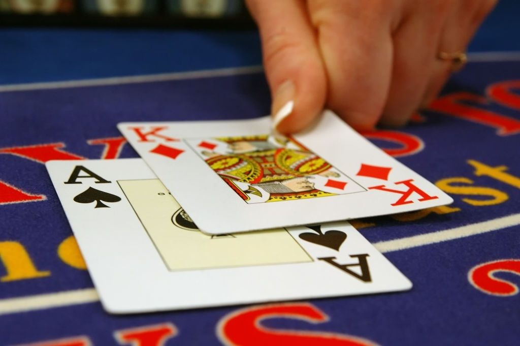 Tips and Strategies for Playing Texas Holdem Poker Cards