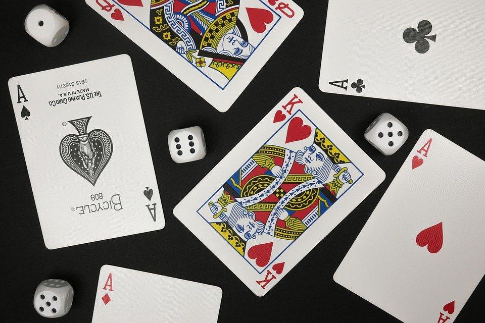 Creation of card combinations at Bandar Capsa Susun